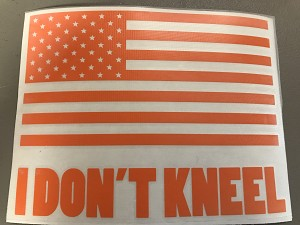 DECAL_I DON'T KNEEL